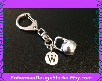 Fitness gift, kettlebell keychain, personalised initial letter W,  3D kettle bell charm, motivational fitness workout gift UK