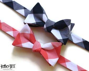 Coral Navy Bow Tie~Gingham Bow Tie~Mens Self Tie Bow Tie~Cotton Tie~Coral Bow Tie~Coral Navy Wedding~Bow Tie~Preppy Gift~Groom~Groomsmen
