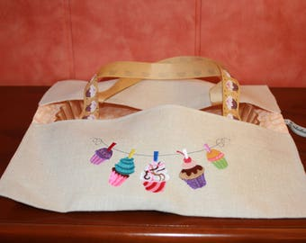Bag has pie cupcakes pattern