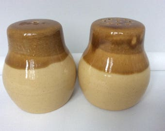Lovely chunky retro salt and pepper dip slip glaze pots honey pots Winnie the Pooh pots honey coloured yummyness