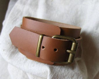 Handmade light brown leather bracelet