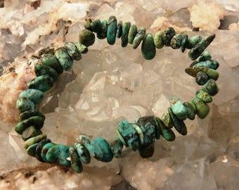 Turquoise chip bracelet on elastic thread