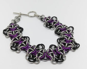 Black and purple Chainmaille Bracelet (Camelot)