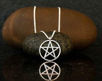 Small pentagram charm, silver pentagram necklace, pentagram pendant, pentagram choker, pentacle necklace, pentacle pendant, Wiccan jewelry.