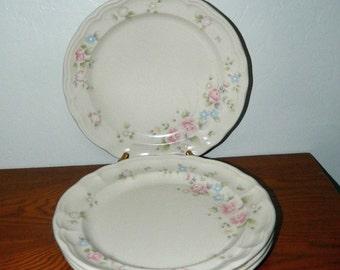 Pfaltzgraff Dinner Plates in Tea Rose