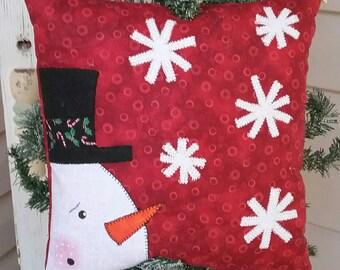 Quilted Snowman Pillow, Christmas Decoration, Holiday Decor, Snowman Decoration, Winter Decor, Decorative Pillow, Throw Pillow, Applique