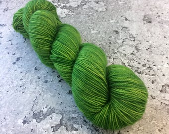 Hand-dyed 80/20 Merino Sock Yarn - ASTROTURF GREEN - 400yds 100g