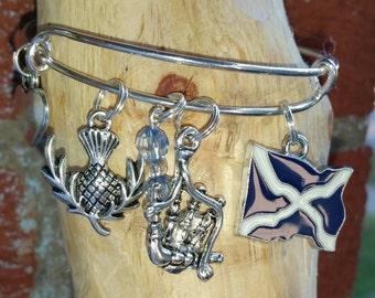 Scotland wire bracelet