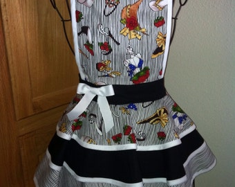 Girls size 9-10 Adorable shoes and hat design retro apron