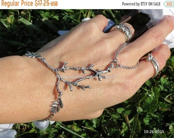Sale slave bracelet, ring bracelet, hand chain, hand jewelry, slave ring, bracelet ring, silver hand chain, hand bracelet, Elven Jewelry Tre
