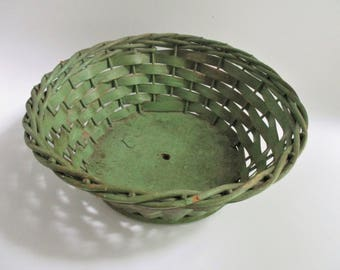 Vintage Harry and David Basket Green Gold Accents Hand Woven Wicker Fruit Floral Basket