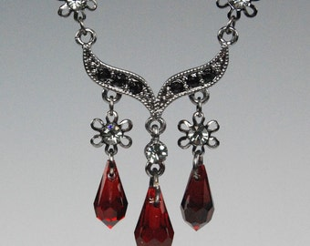 Elegant Crystal Gothic Necklace and Earring set