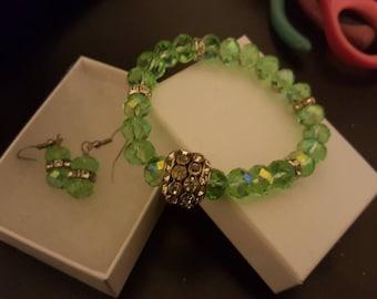 Lovely green,crystal bracelet and earring set