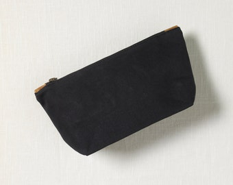 NIGHT TRAVEL POUCH