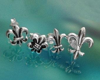 925 Solid Sterling Silver FLEUR DE LYS Earrings- Fleur de lis Stud Earrings- Oxidized- Studs/Fleur de Lis