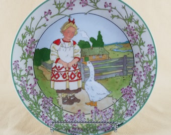 Plate ~ Decorative ~ Unicef ~ Children of the World ~ Russia ~ HEINRICH ~ Villeroy & Boch ~ Wall Decor ~ Ceramic ~ Penny Lane Treasures