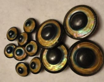 C709)  Antique Celluloid Buttons set