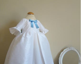 Baby and girl 18th century Marie-Antoinette white silk dress
