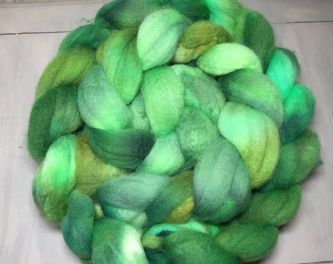 Irish Luck Hand Dyed BFL Roving - Spinning and felting FIBER