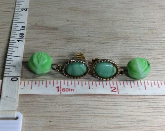 Vintage Gold Toned Green White Swirl Glass Earrings Used