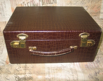 Classic Vintage Mid Century DU BARRY Train Case - Suitcase Make Up Cosmetic Case- Aligator Reptile Lizard 1950-1960s