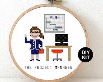 Kreuz Stich Kit-Projekt-Manager. Geschenk für Projektmanager. Projekt-Manager-Geschenk-Ideen. Geschenk für Management-Berater.
