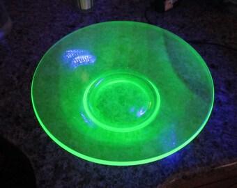 Vaseline Glass Uranium Green Large Serving Bowl