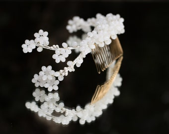 Bridal head comb with crystals, bridal head comb in white, jewelry hair accessories, white bridal headpiece, flower bridal hair piece