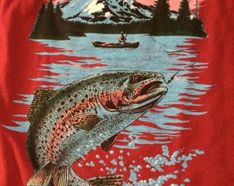 Vintage 1980's mens fishing tshirt. Size XL