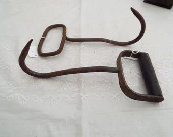 2 Hay Bale Hooks