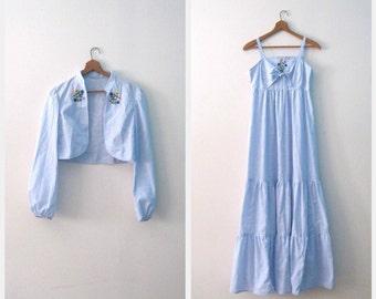 Vintage 70s sundress set / denim blue chambray maxi Festival sundress / Hippie Embroidered sundress with matching jacket