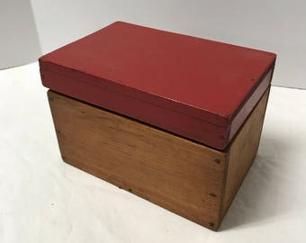 Wooden Kitchen recipee box 1940's red top