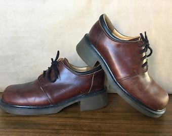 Vintage 90s Dr Martens Oxfords in Brown Leather / Platform Shoes / Made in England / UK Size 7 / US Size 8 9