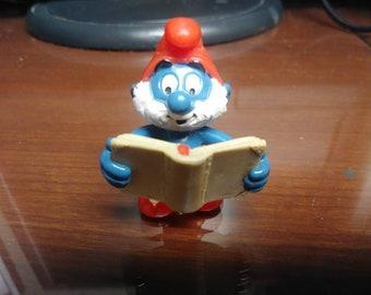 Vintage Papa Smurf Holding Magic Book ( Rare )