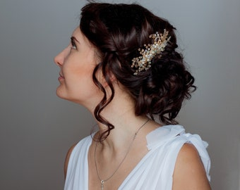 Wedding golden hairpiece. Bridal gold hair pin. Wedding vine with leaves. Hair comb for bride. Rhinestone pins bridal leaf accessory comb.
