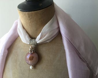 Pendant Jewelry for scarf, natural agate stone with wire wrapping of small pearls