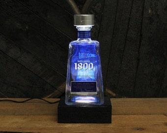 1800 Tequila Bottle LED Light / Reclaimed Wood Base & LED Desk Lamp / Handmade Tequila Lamp / Upcycled Tequila Bottle Lighting / Liquor