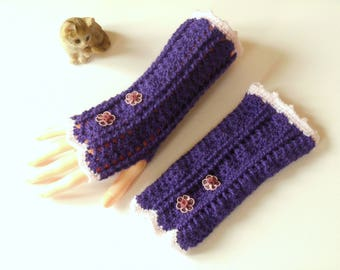 Purple and pink fingerless gloves crocheted with 2 flowers