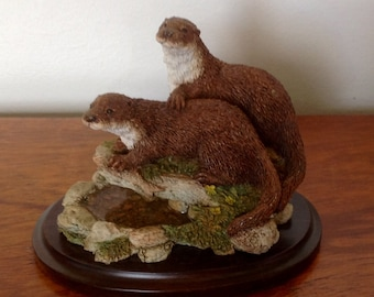 Vintage Country Artists Otter Figurine. Quiet Moments. 1995.