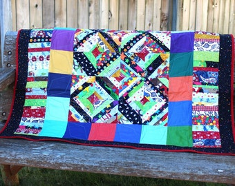Baby Quilt, Baby Boy Quilt, Nursery Decor, Scrappy Quilt, Play mat, Rainbow, Gift, FREE SHIPPING