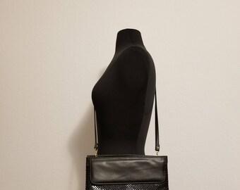 Vintage Whiting and Davis International Black Mesh Metal Designer Shoulder Bag