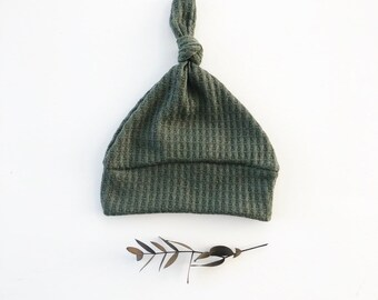 Beanie/Hat - Infant Knot Beanie in Hunter Green Waffle Sweater Knit