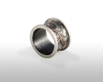 Ring in silver oxidized copper inlaid law
