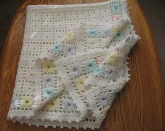 Vintage crocheted baby blanket/ afghan/ lap robe