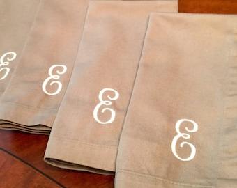 Set of 4 Embroidered dinner napkins / monogrammed dinner napkins