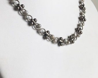 Vintage Short Silver and Pearl Necklace,  Pearl Necklace, Beaded Necklace, Short Necklace, Necklace for Women, Silver Necklace