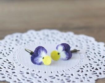 Pansy earrings - pansy jewelry - flower earrings - flower jewelry - botanical jewelry - blossom earrings - spring weddings - spring earrings