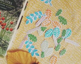Die cuts motif botanique avec tampons fait-main sur papier recyclé découpés à la main - die cuts artisanaux - découpes - embellissement