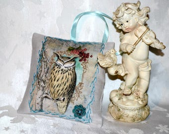 Stunning small ornamental hanging in linen - owls - Turquoise pillow