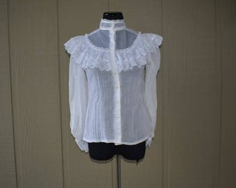 Vintage Highneck lace blouse
